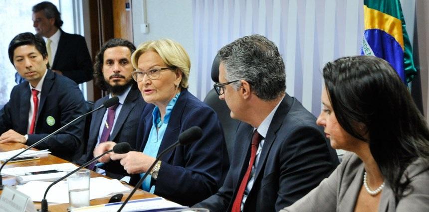 Política de seguro rural precisa ser revista, aponta debate na Comissão de Agricultura